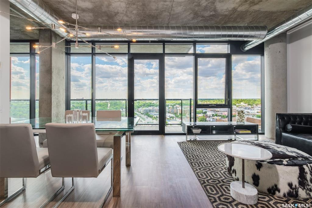 490 2nd Avenue S #1702, 2 bed, 2 bath, at $677,900