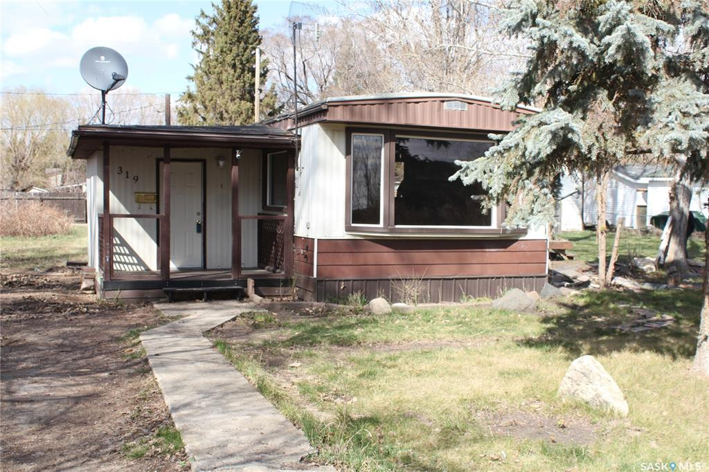 319 1st Avenue, 3 bed, 1 bath, at $89,900