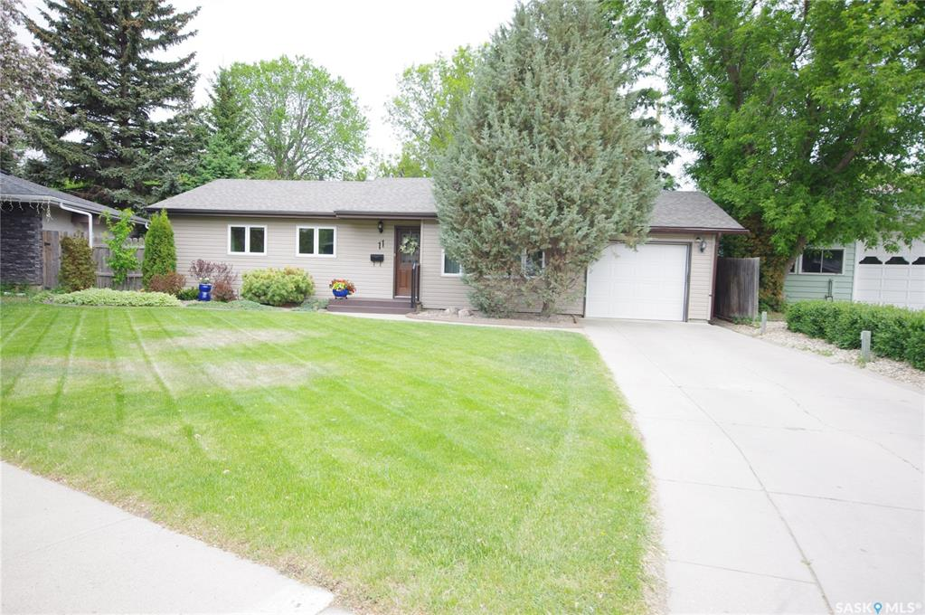 11 Murphy Crescent, 3 bed, 2 bath, at $359,900