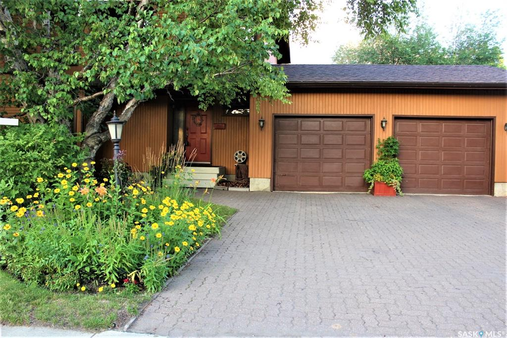 243 Candle Crescent, 3 bed, 4 bath, at $437,000