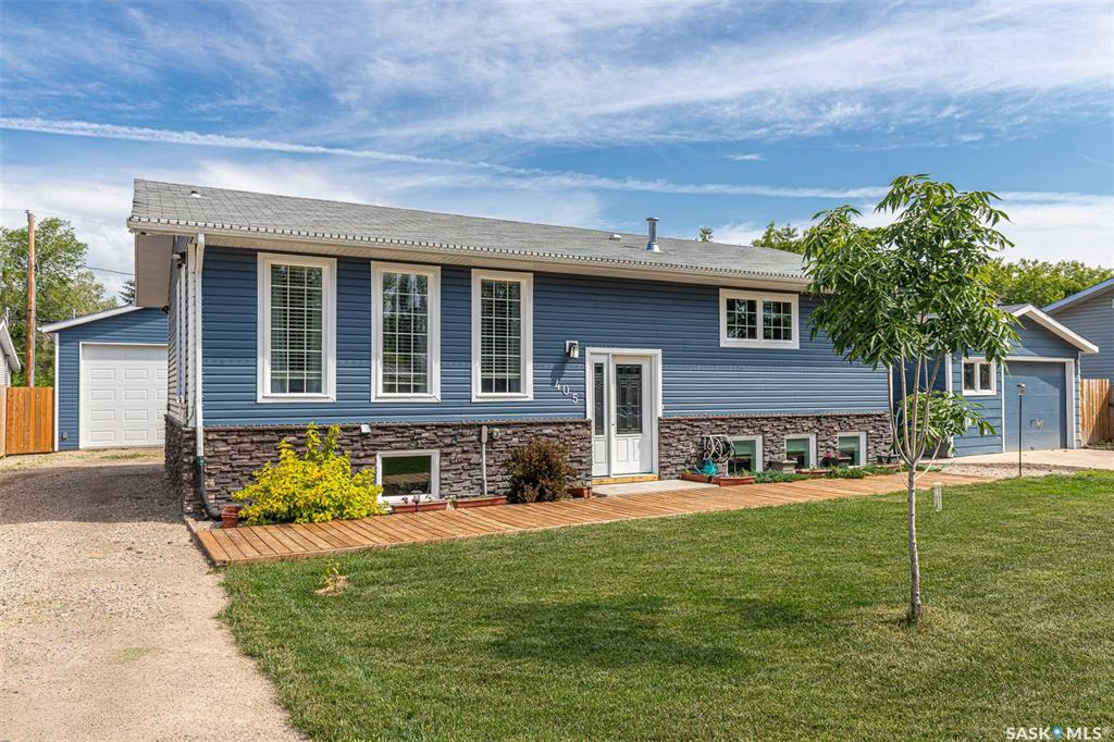 405 2nd Street S, 4 bed, 3 bath, at $429,900