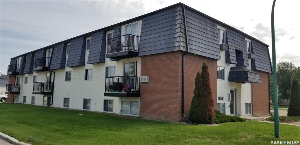 176 Acadia Court #10, 1 bed, 1 bath, at $109,900