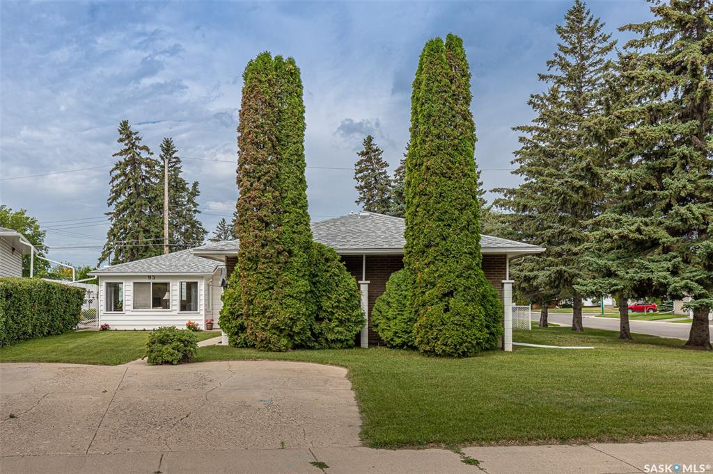 95 Oneil Crescent, 3 bed, 4 bath, at $374,900