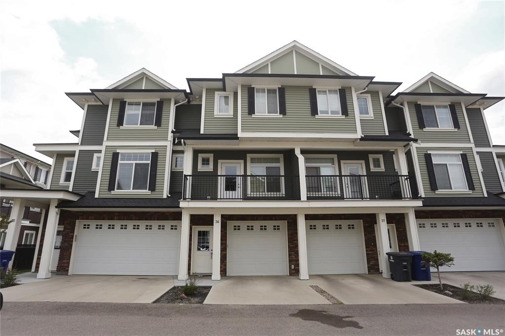 425 Langer Place #36, 3 bed, 3 bath, at $249,900