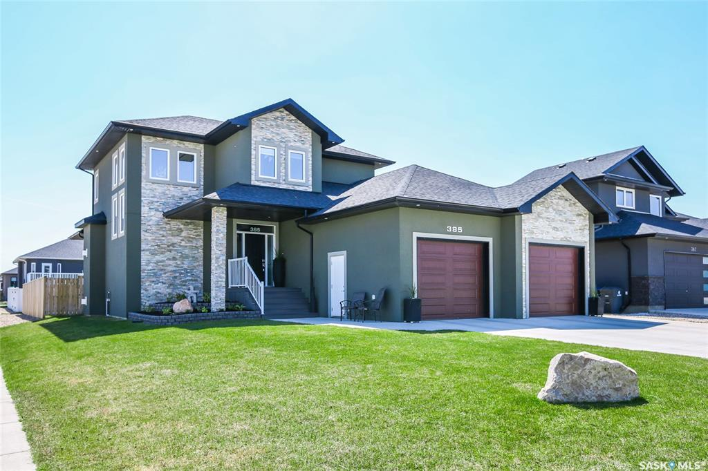 385 Clubhouse Boulevard W, 4 bed, 4 bath, at $549,900