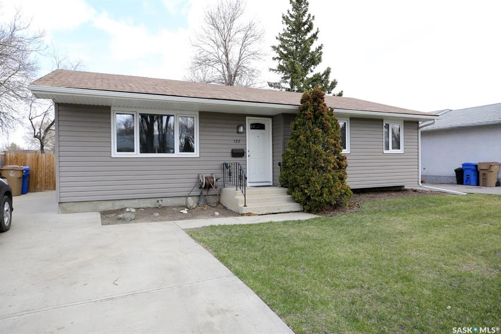 122 Clermont Crescent, 3 bed, 3 bath, at $274,900