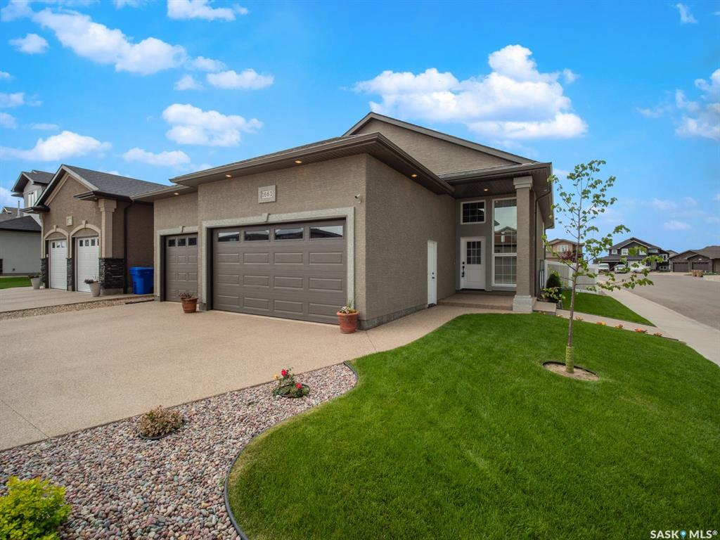 1661 Maple Rose Crescent, 4 bed, 3 bath, at $569,000