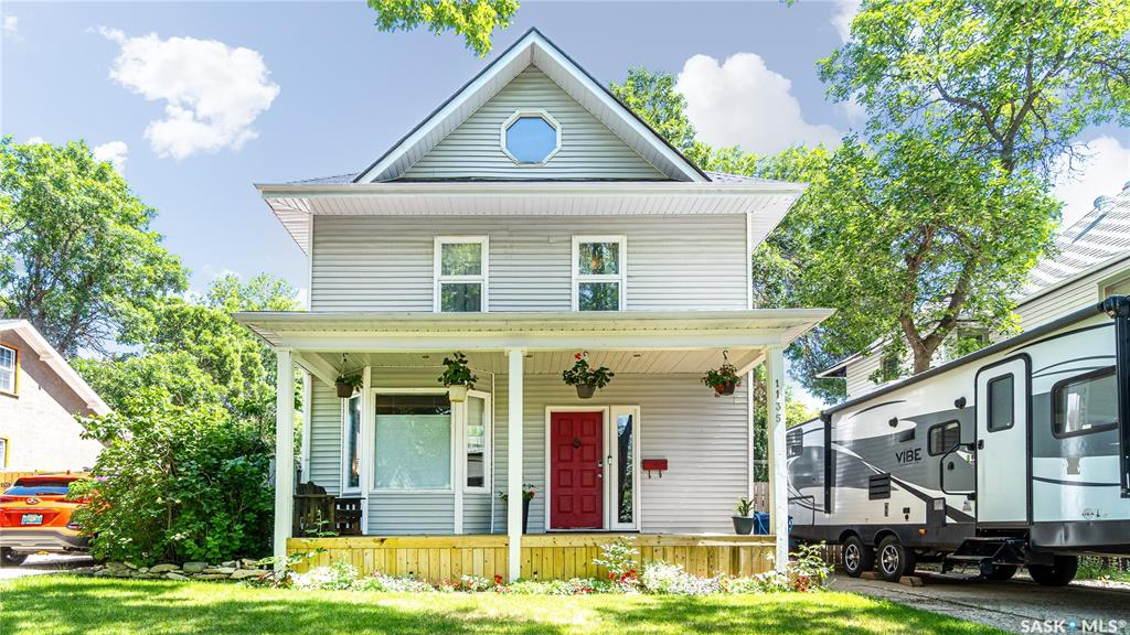 1135 2nd Avenue Nw, 4 bed, 3 bath, at $239,900