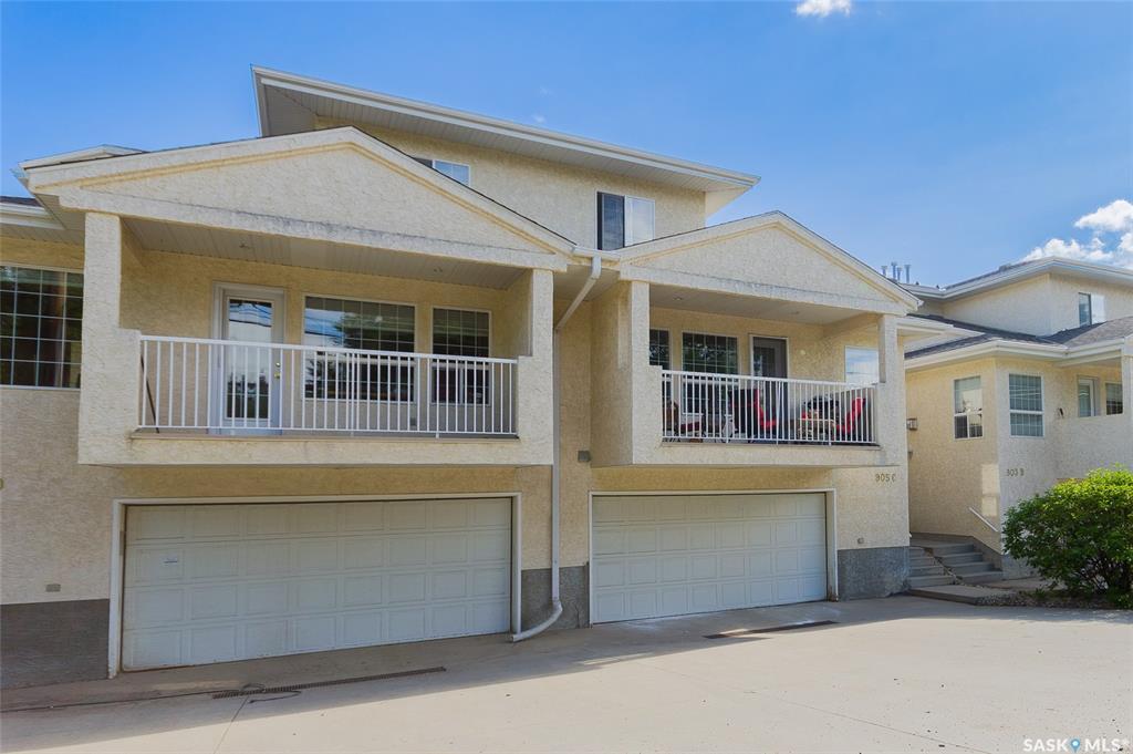 905 C 9th Street E, 3 bed, 3 bath, at $409,900