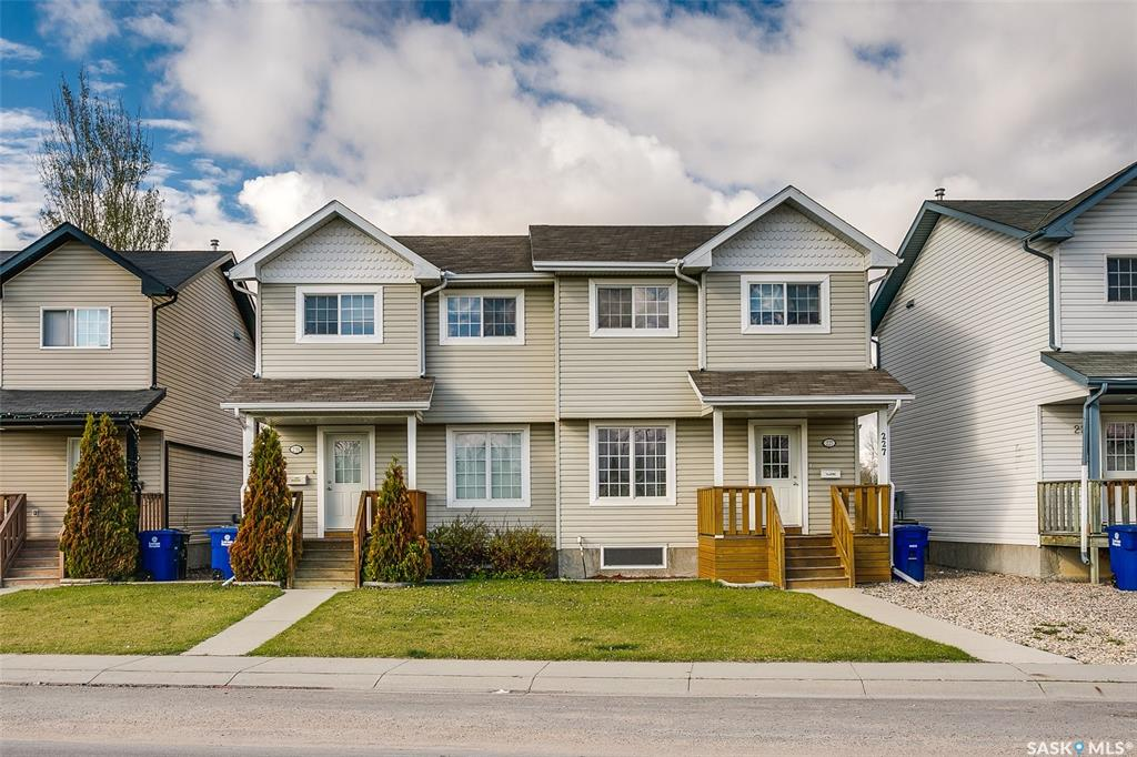 227 Rutherford Crescent, 3 bed, 3 bath, at $299,900