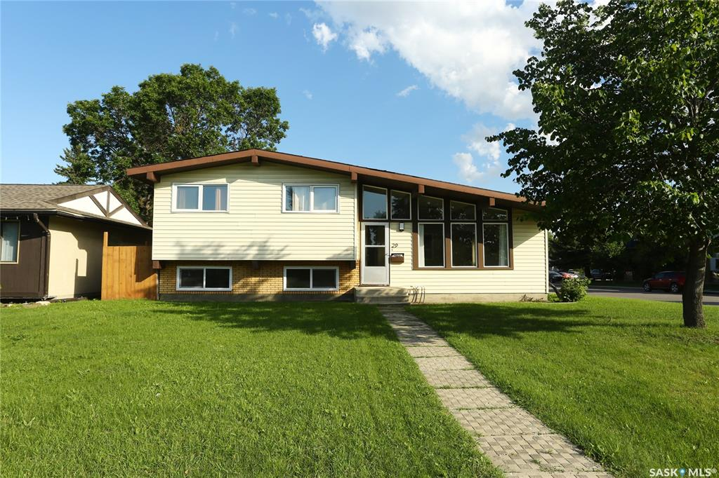 29 Assiniboine Drive, 3 bed, 2 bath, at $357,000