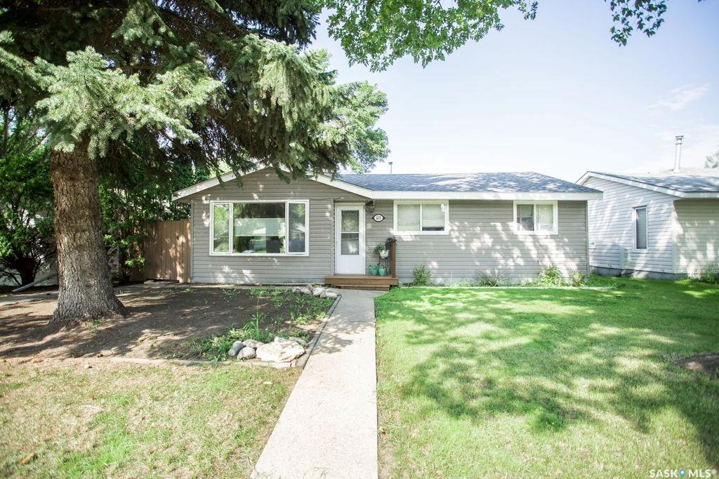 405 Y Avenue N, 3 bed, 1 bath, at $249,900