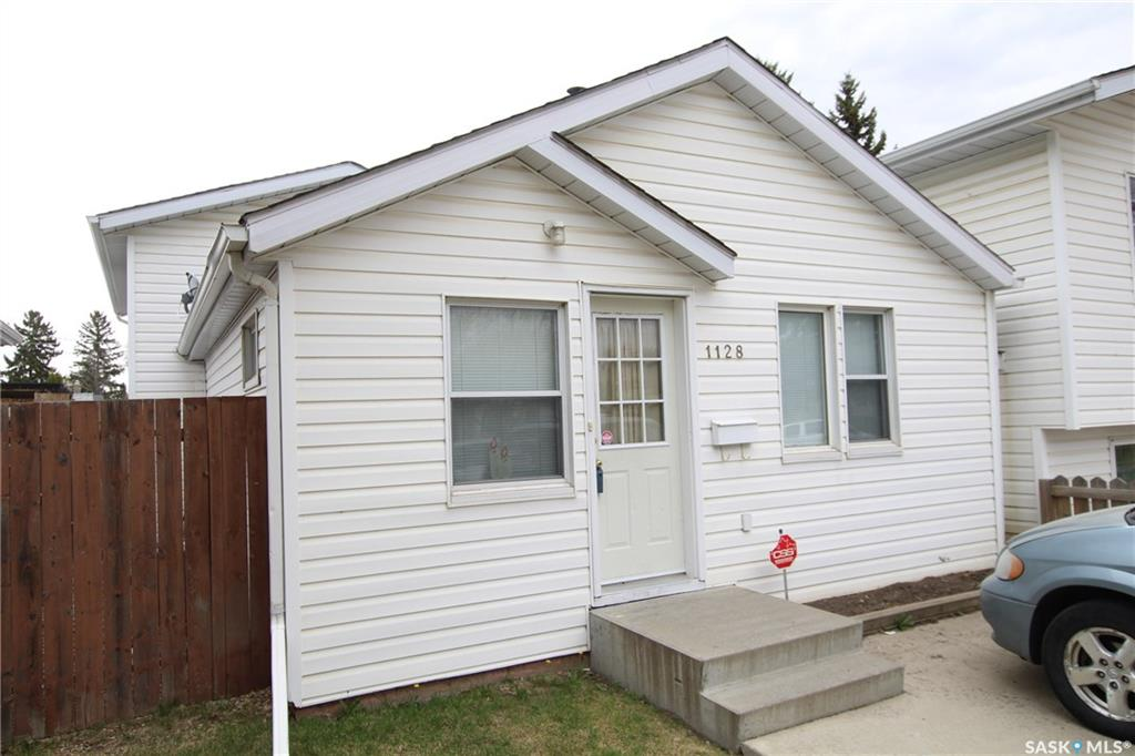1128 O Avenue S, 3 bed, 2 bath, at $219,900
