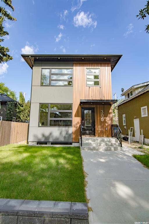 305 Clarence Avenue S, 5 bed, 4 bath, at $534,900