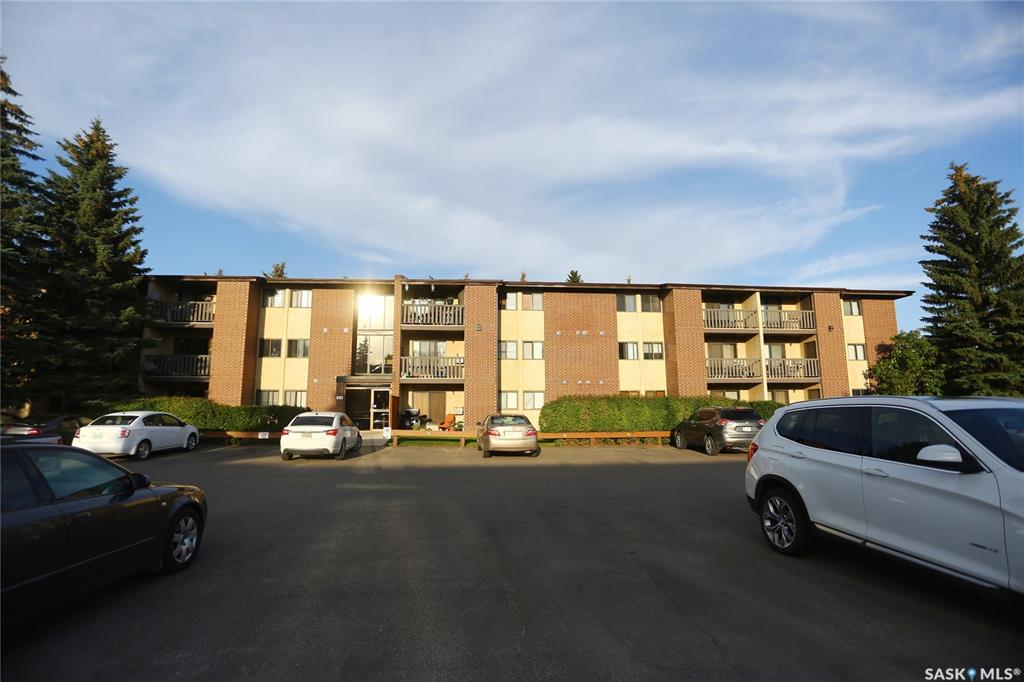 311 Tait Crescent #102, 2 bed, 1 bath, at $139,900