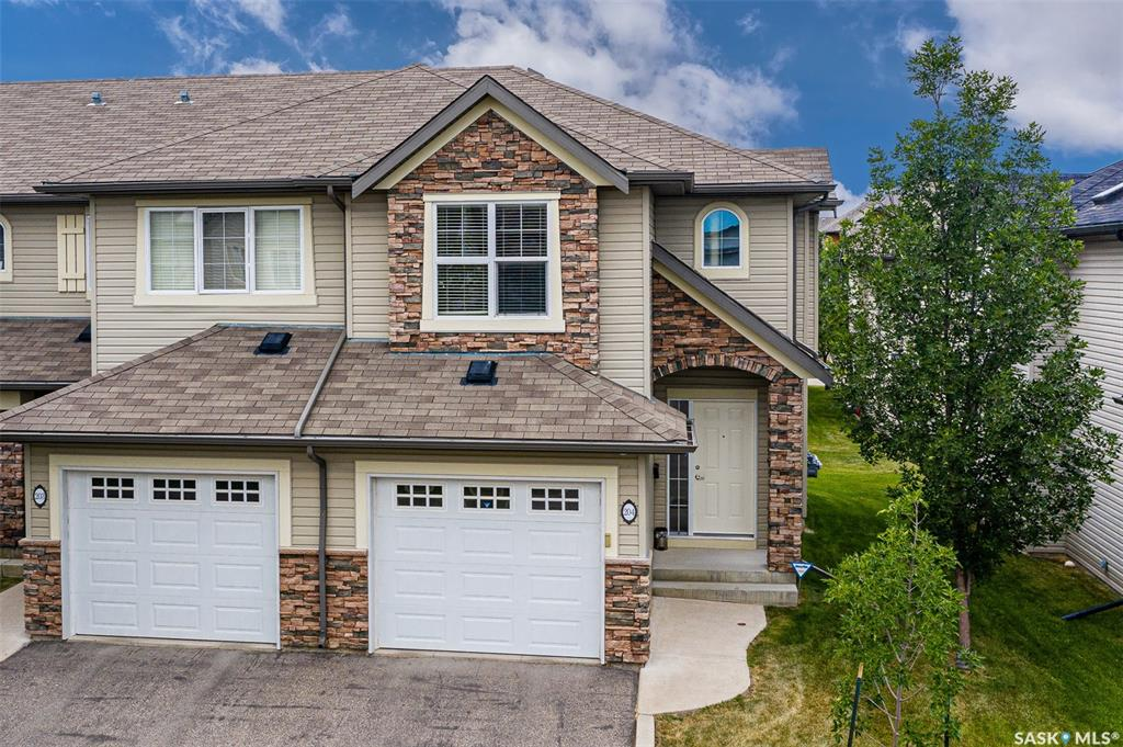 105 Lynd Crescent #204, 3 bed, 3 bath, at $284,800