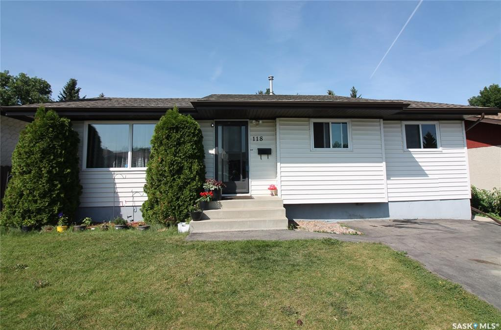 118 Hull Crescent, 4 bed, 2 bath, at $264,900