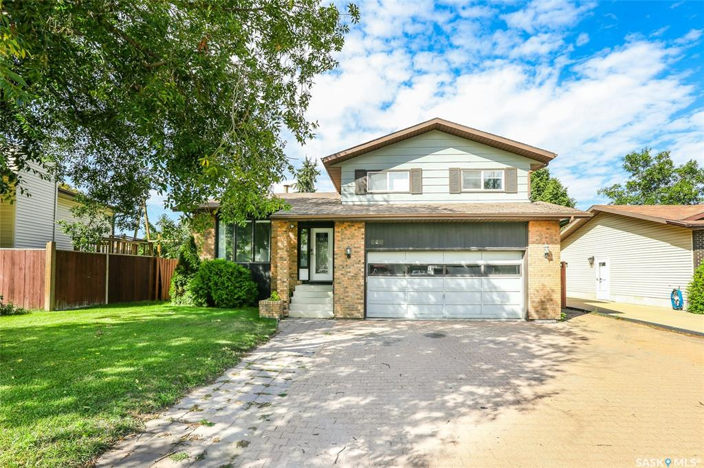 563 Sebestyen Crescent, 4 bed, 3 bath, at $389,900