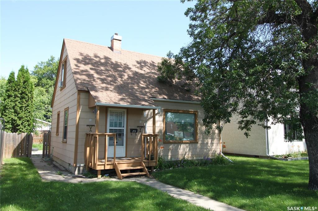 213 Willow Street E, 3 bed, 1 bath, at $208,900