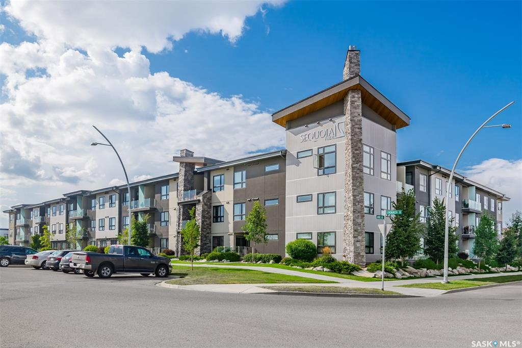 235 Evergreen Square #207, 1 bed, 1 bath, at $199,900