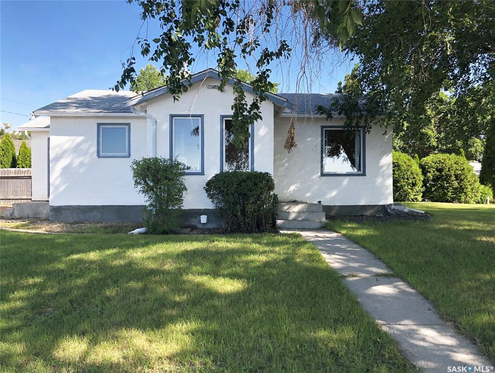602 4th Avenue Nw, 2 bed, 1 bath, at $149,000