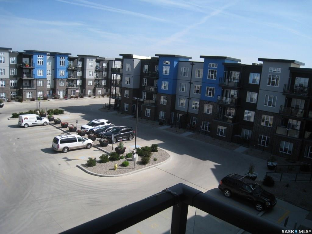 5303 Universal Crescent #423, 2 bed, 2 bath, at $268,000