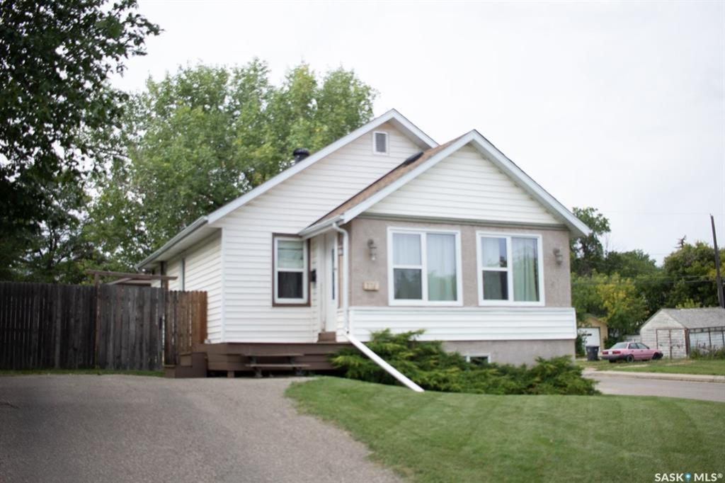 376 4th Avenue Nw, 3 bed, 2 bath, at $195,000