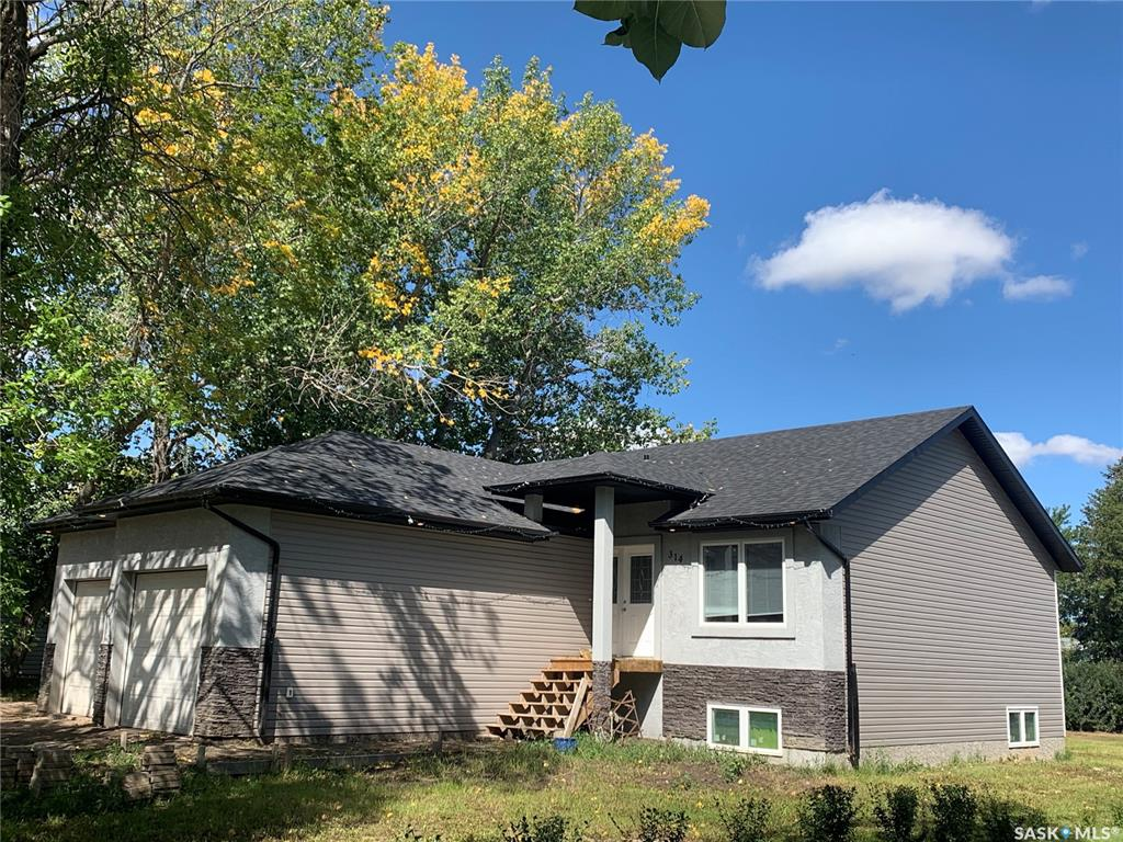 314 2nd Avenue S, 3 bed, 2 bath, at $314,900