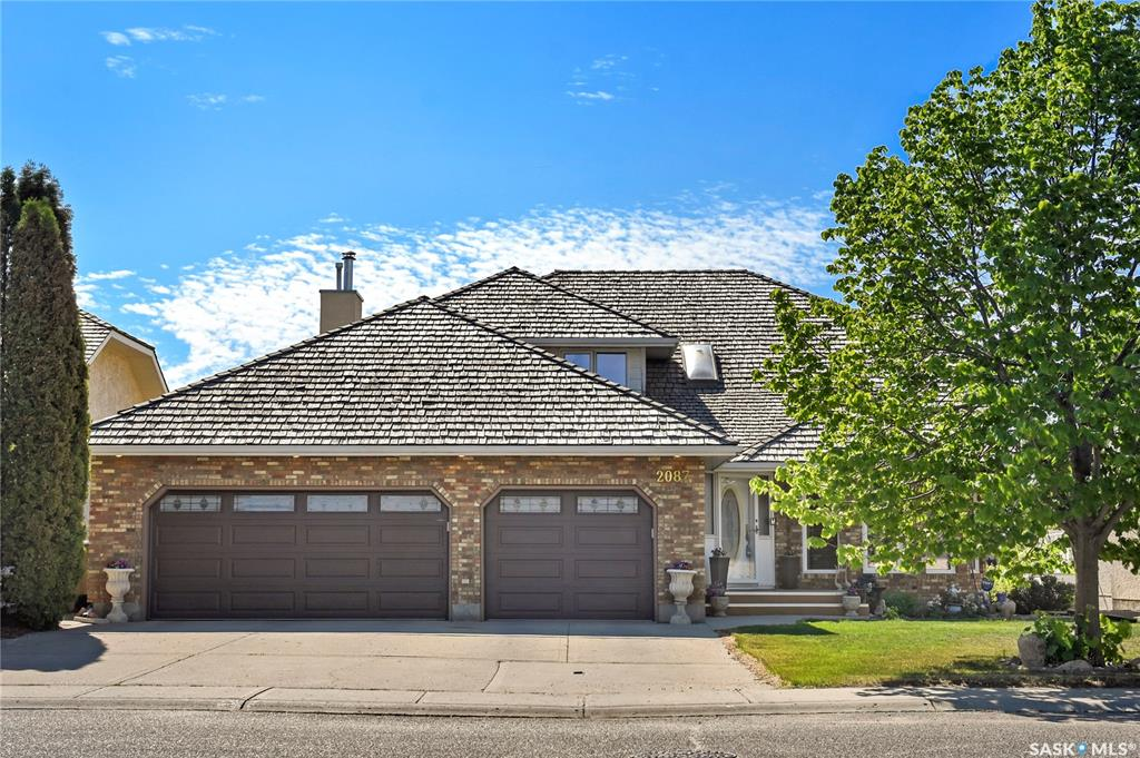 2087 Wascana Greens, 4 bed, 3 bath, at $779,000