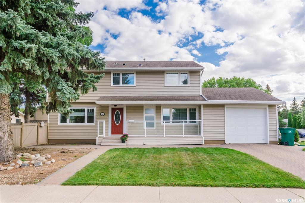2601 Clarence Avenue S, 4 bed, 3 bath, at $429,900