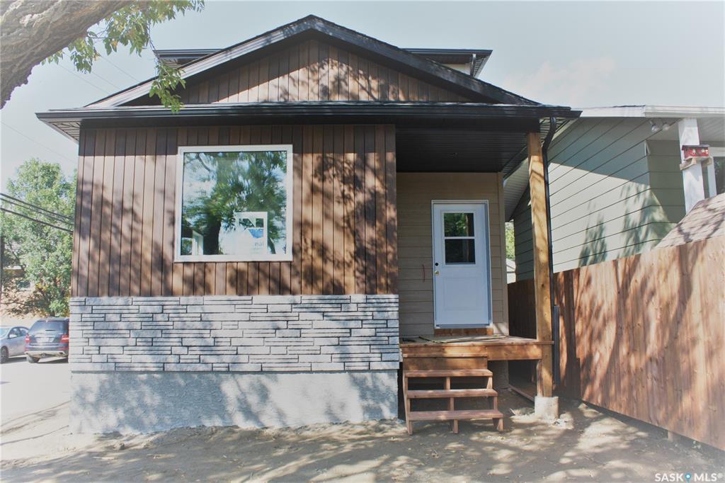 111 Taylor Street E, 2 bed, 3 bath, at $362,900