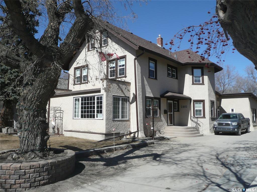912 Queen Street, 5 bed, 6 bath, at $697,000
