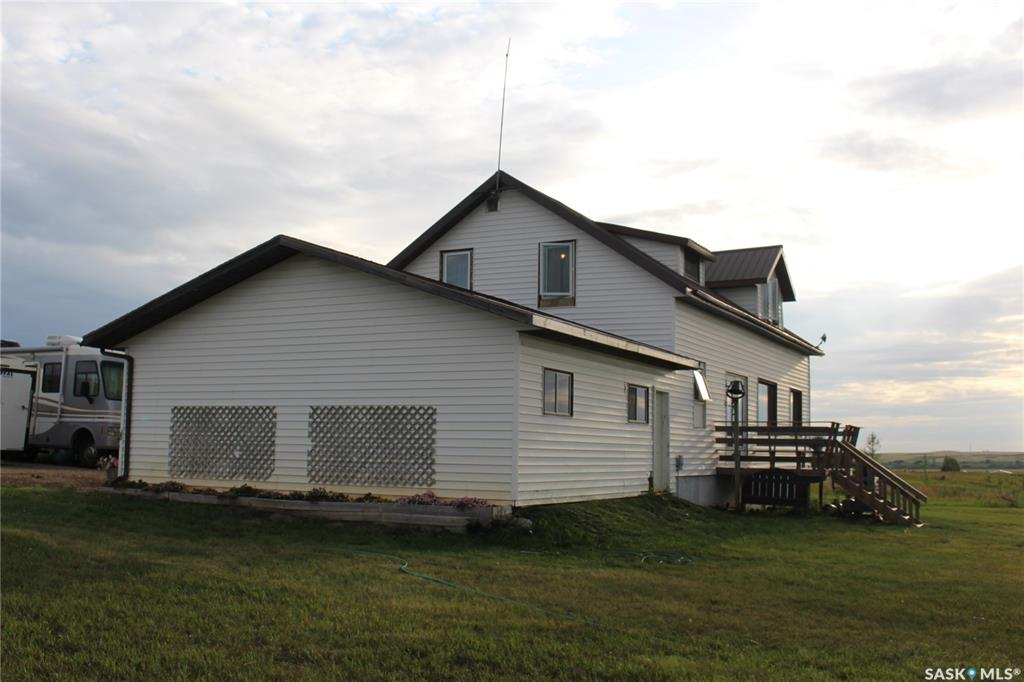 Belle Plaine Acreage, 7 bed, 2 bath, at $249,900