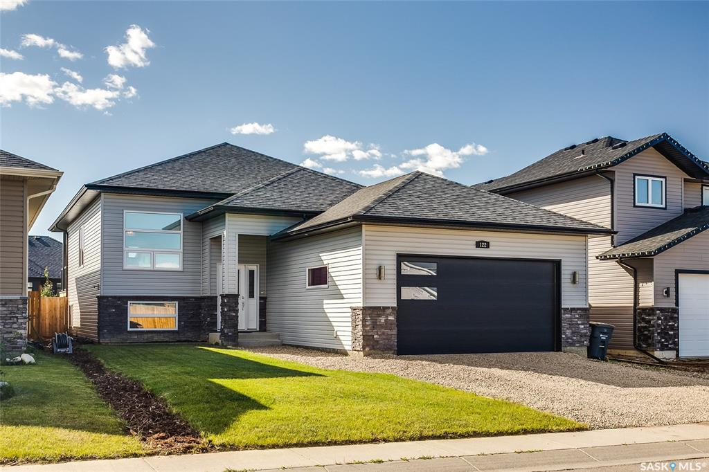 122 Kloppenburg Crescent, 4 bed, 3 bath, at $499,900