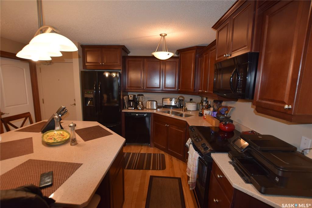 425 115th Street E #1532, 1 bed, 1 bath, at $137,500