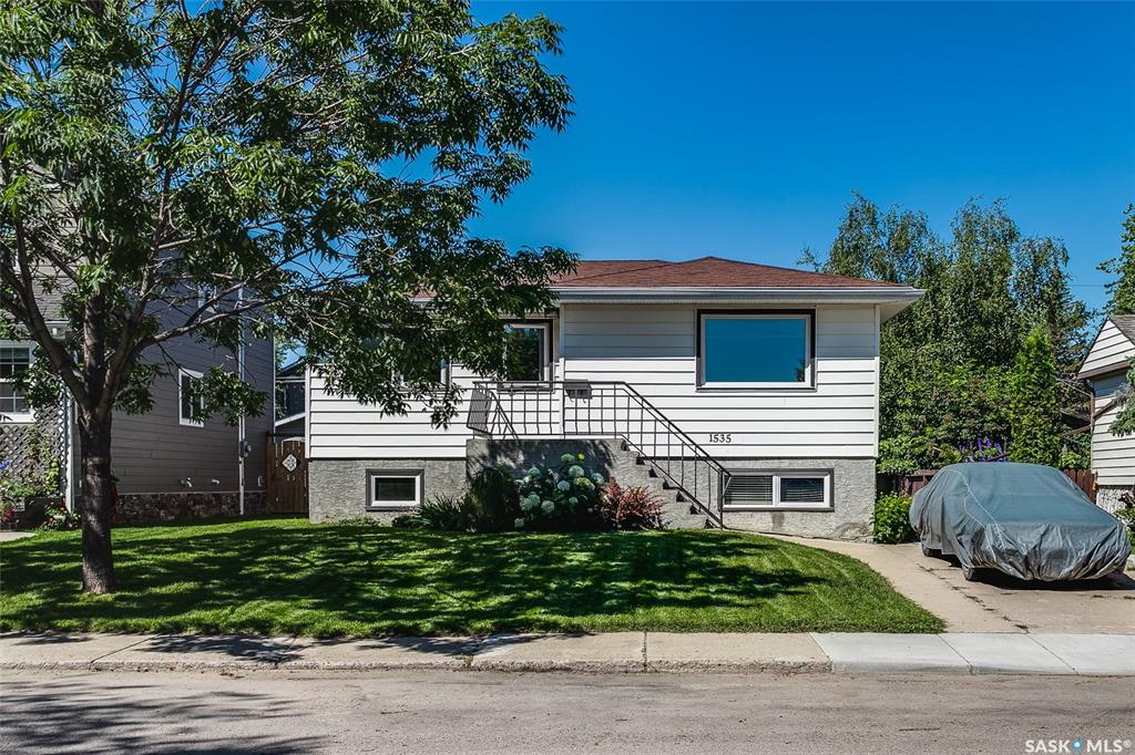 1535 Prince Of Wales Avenue, 4 bed, 2 bath, at $379,900