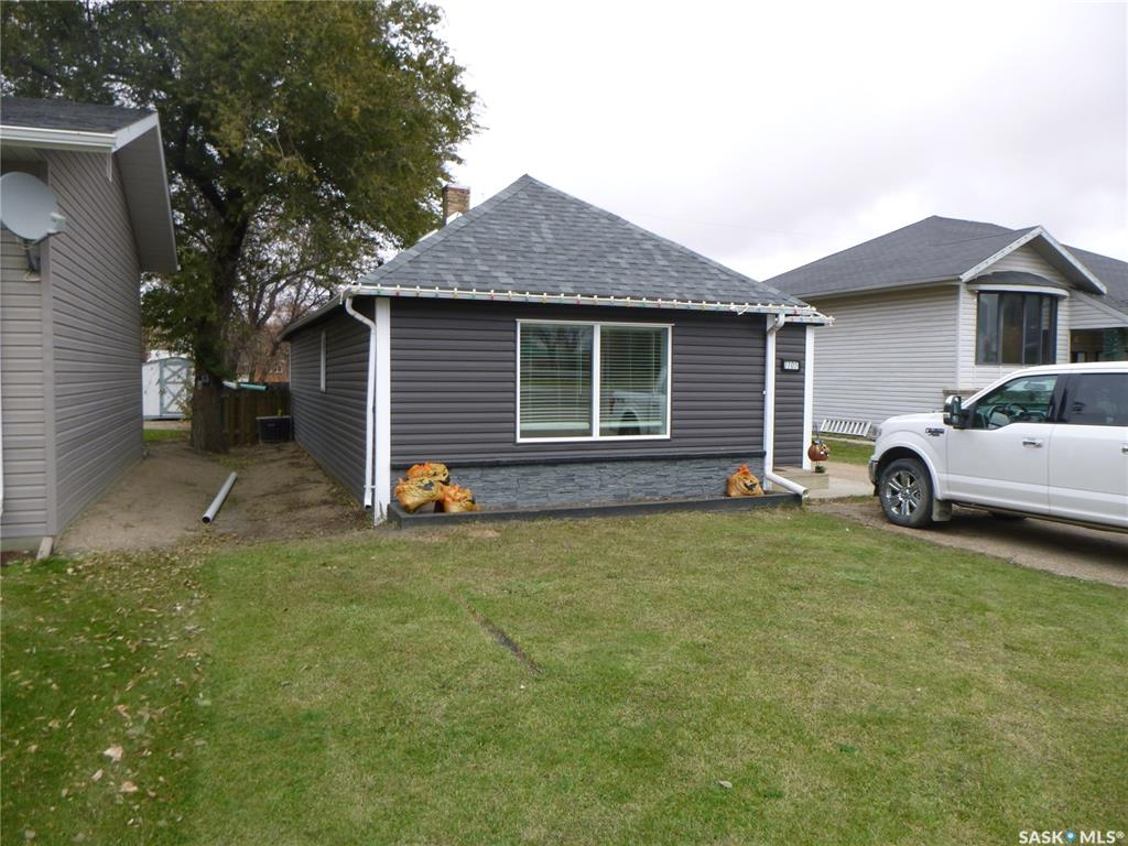 1105 100th Avenue, 2 bed, 1 bath, at $109,900