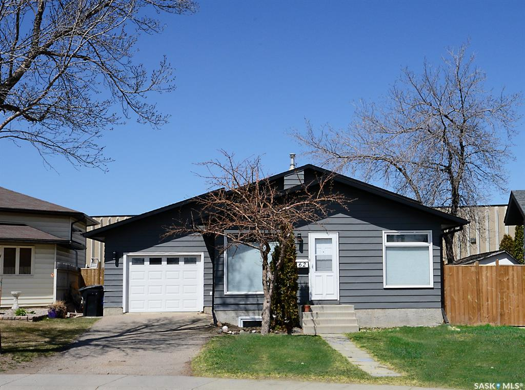 162 Highlands Crescent, 3 bed, 2 bath, at $309,900