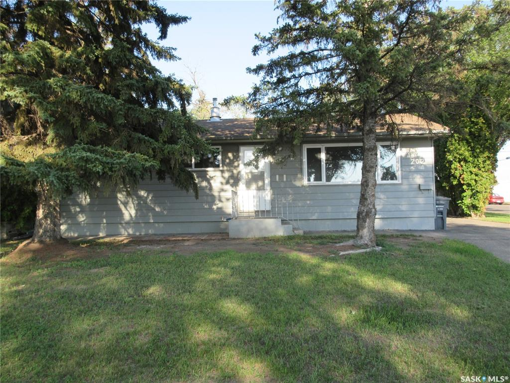 202 Witney Avenue N, 4 bed, 1 bath, at $209,900