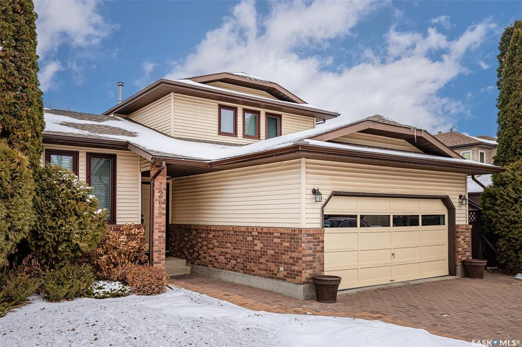 215 Wickenden Crescent, 6 bed, 4 bath, at $449,900