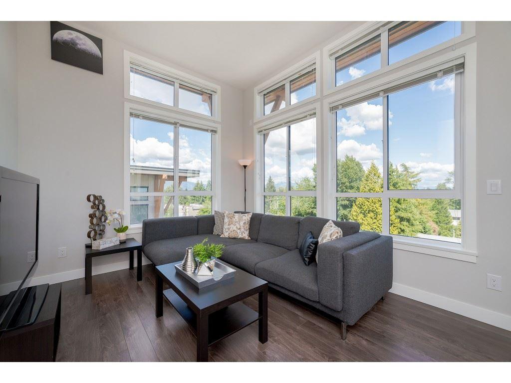 411 10455 154 STREET, 2 bed, 2 bath, at $500,000