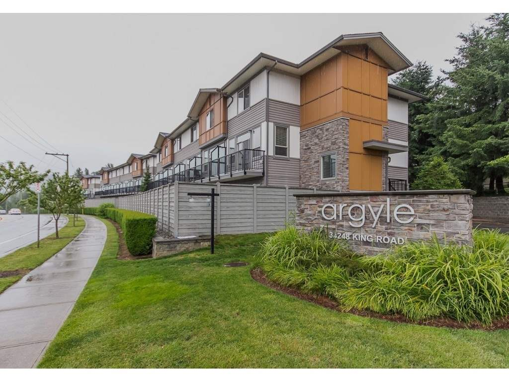42 34248 KING ROAD, 2 bed, 3 bath, at $499,900