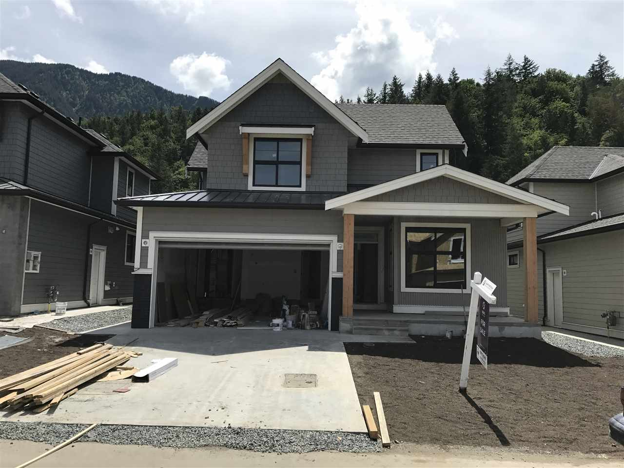 35 1885 COLUMBIA VALLEY ROAD, 4 bed, 3 bath, at $699,900