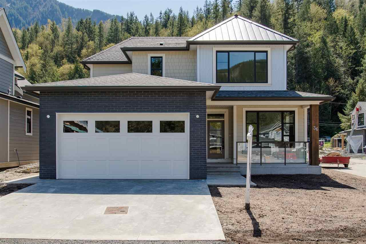 36 1885 COLUMBIA VALLEY ROAD, 3 bed, 3 bath, at $699,900
