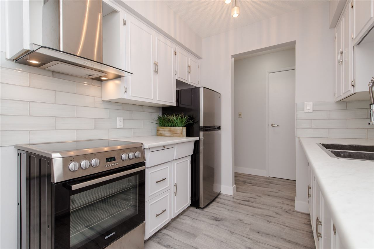 105 2211 CLEARBROOK ROAD, 1 bed, 1 bath, at $219,700