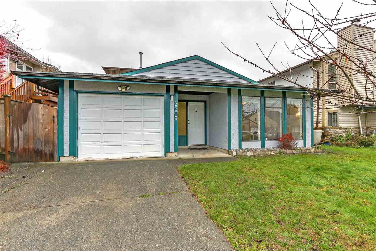 2209 WILLOUGHBY WAY, 3 bed, 3 bath, at $799,000