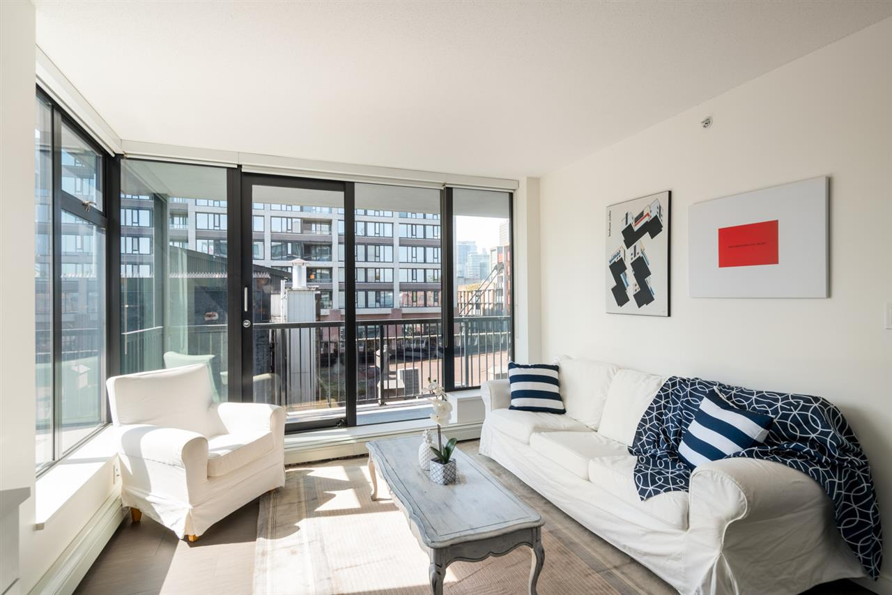 705 66 W CORDOVA STREET, 1 bed, 1 bath, at $533,000