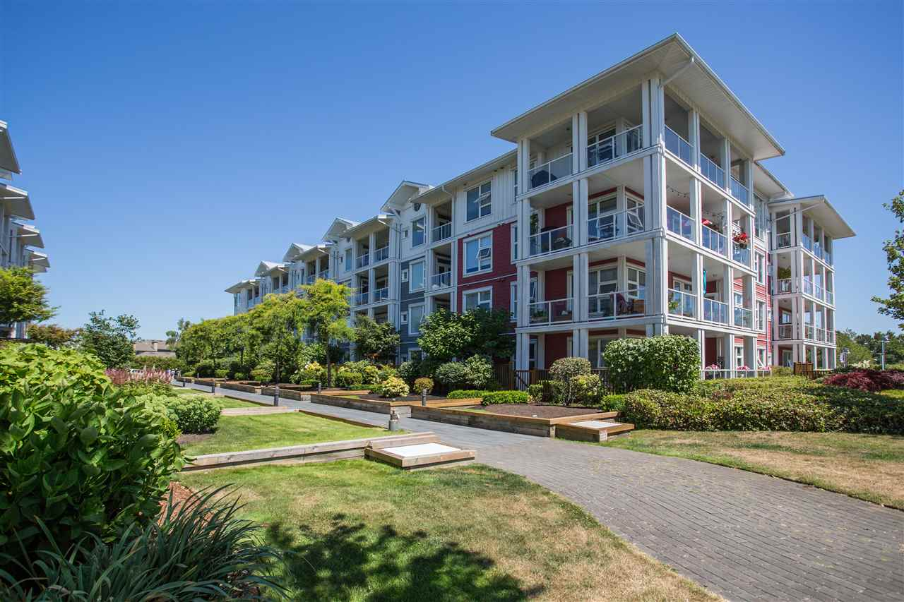 301 4600 WESTWATER DRIVE, 2 bed, 2 bath, at $899,000