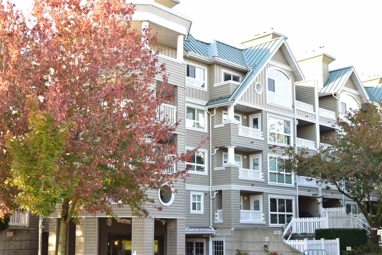 417 5900 DOVER CRESCENT, 2 bed, 1 bath, at $509,000
