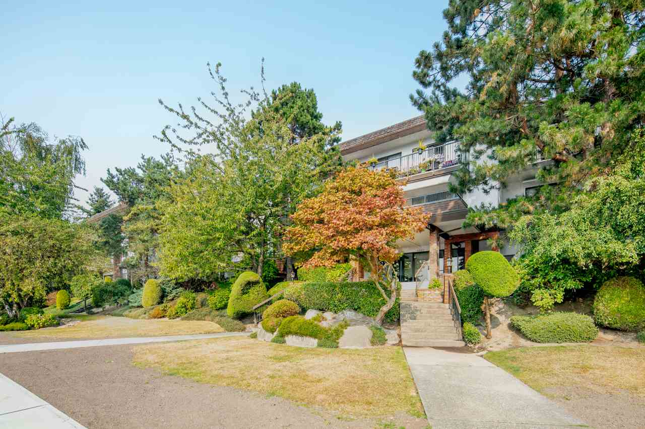 201 6660 BUSWELL STREET, 1 bed, 1 bath, at $368,800